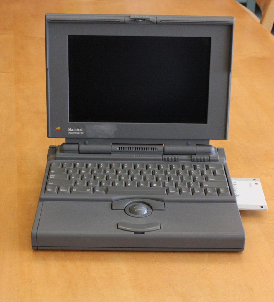 Apple Macintosh PowerBook 160, 1992.